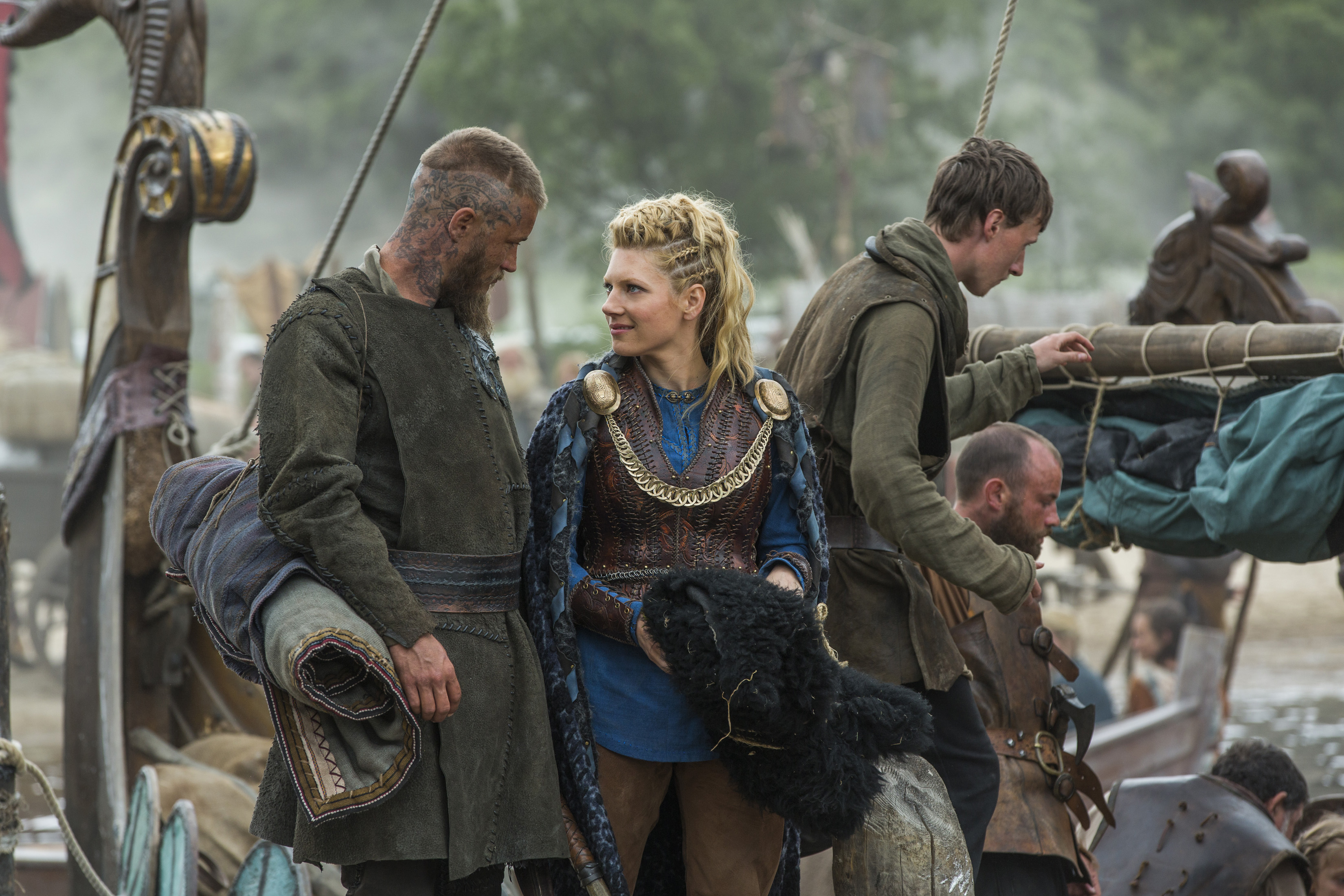 Sneak Peek: New Pics VIKINGS Season 3! Lagertha, Ragnar ...